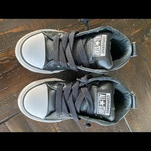 Converse Youth Boys size 10.5